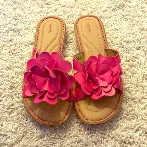 Sandals with pink flower